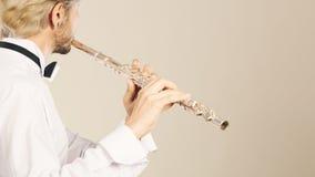Música de la flauta que juega al ejecutante del músico del flautista Imagen de archivo
