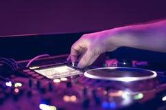Música de mistura do DJ foto de stock royalty free