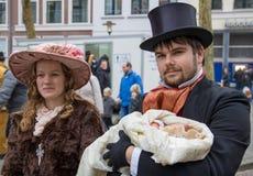 Música de natal do Natal do canto dos povos do festival de Dickens Fotografia de Stock