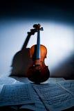 Música do violino e de folha Foto de Stock