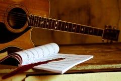 Música e notas imagens de stock