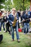 Música en la demostración del 1 de mayo Imagen de archivo
