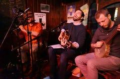 Música irlandesa del Pub el día de Patricks del santo imagen de archivo libre de regalías