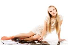 Música - mujer joven con los auriculares Fotos de archivo libres de regalías