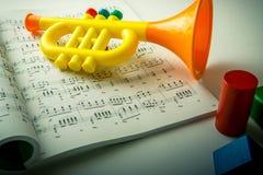 Música para el niño fotografía de archivo