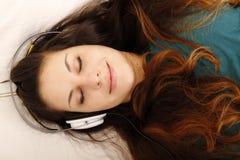 Música que escucha Fotografía de archivo libre de regalías