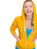 Música que escucha de la muchacha feliz del adolescente en auriculares Foto de archivo libre de regalías