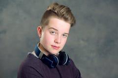Música que escucha del adolescente Imagen de archivo