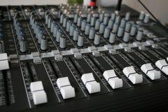 Música que registra el mezclador audio fotografía de archivo