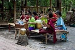 Música tradicional tailandesa de los niños foto de archivo