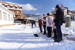 Músicas de natal cristãs, Ucrânia, região Transcarpathian, vila de Polyana, em janeiro de 2019 imagem de stock