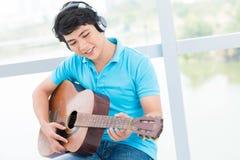Músico adolescente Imágenes de archivo libres de regalías