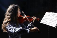 Músico bonito do violinista Fotos de Stock