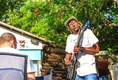 Músico com trabalhos editados Mr dos azuis Sipp, criança dos azuis de Mississippi Fotos de Stock