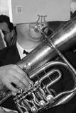 Músico con la tuba Foto de archivo libre de regalías