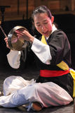 Músico coreano jogador do kkwaenggwari Fotos de Stock Royalty Free