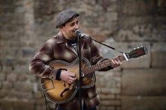 Músico de la calle en Barcelona Foto de archivo