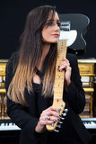 Músico de sexo femenino Fotos de archivo libres de regalías