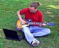 Músico practicante Fotos de archivo