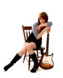 Músico Relaxed con la guitarra que toma una rotura Imagen de archivo