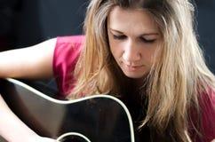 Músico Songwriter Woman do cantor Imagens de Stock