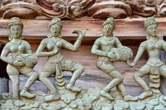 Músico Wood Carved com estilo tailandês fotos de stock