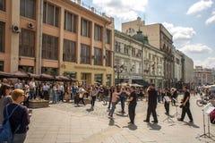 Músicos da rua em Moscovo foto de stock royalty free