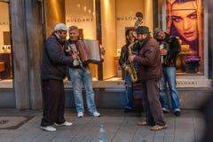 Músicos de la calle en Keln Imagen de archivo libre de regalías