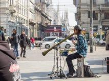Músicos del artista de la calle en Milán, Italia, Europa Foto de archivo
