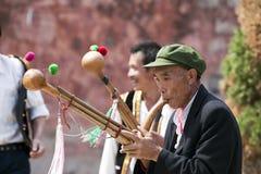 Músicos do grupo minoritário de Yi em Weishan imagem de stock royalty free