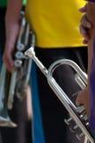 Músicos en venda del soplo del viento Imagen de archivo