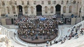 Músicos no odeon do atticus dos herodes em Atenas, greece video estoque