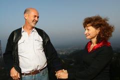 Mûrissez les mains de fixation de couples Photos libres de droits