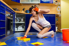 Müde Hausfrau Lizenzfreie Stockbilder