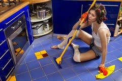 Müde Hausfrau Lizenzfreie Stockfotografie