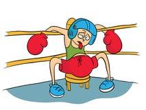Müder Boxer im Sturzhelm und Handschuhe, die in der Ecke des Ringes stillstehen Stockbild
