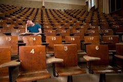 Müder Hochschulstudent Stockfotografie