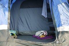 Müder kleiner Camper Stockfotos