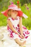 Müdes kleines Mädchen Stockfoto