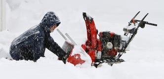 Mühe im Schneesturm Lizenzfreie Stockfotografie