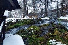 Mühle auf Wasser Stockfotografie