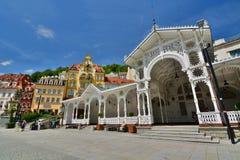 Mühlkolonnade Karlovy unterscheiden sich Tschechische Republik stockfoto