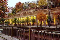 Mühlkolonnade, Karlovy Vary, Tschechische Republik lizenzfreie stockbilder