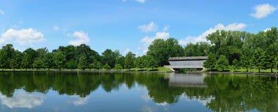 Mühlrennbrücke lizenzfreie stockbilder