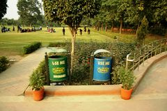 Mülleimer in Indien Stockfotos