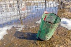 Mülleimer von rot-grünem Lizenzfreie Stockfotografie