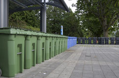 Mülleimerstation Stockbild