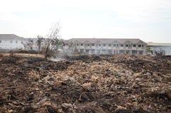 Müllgrubenfeuer in Thailand Lizenzfreie Stockfotografie