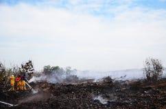 Müllgrubenfeuer in Thailand Stockfotos