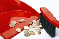 Müllschippe, Bürste und eurocent Lizenzfreie Stockfotos